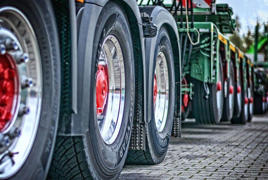 """Uspostaviti """"zelene linije"""" za kretanje privrednika i radnika"""