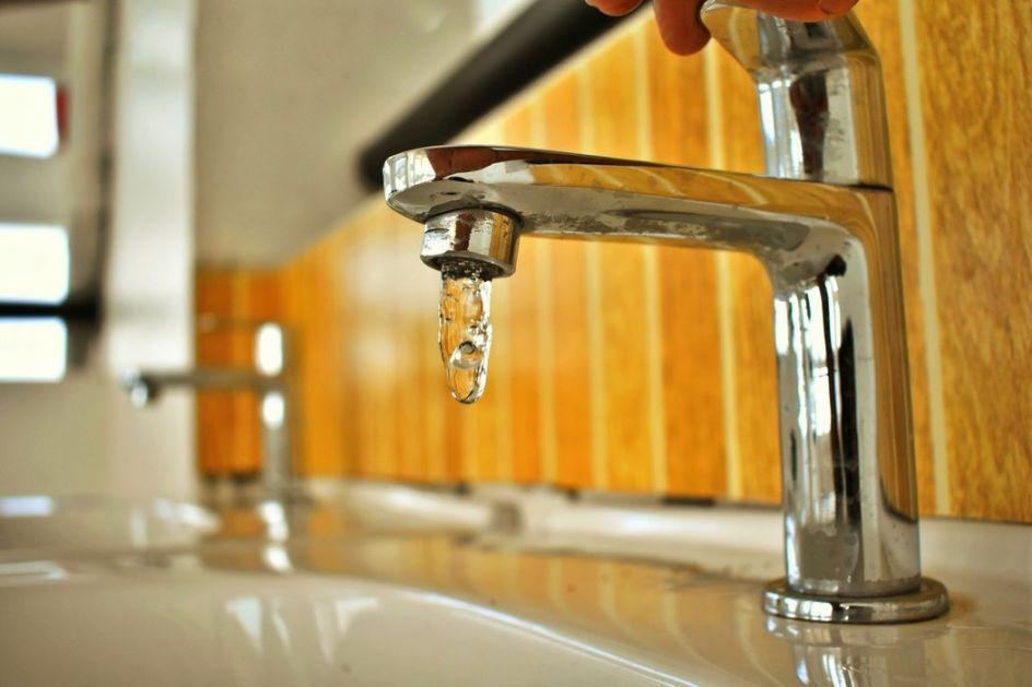 Uvode se restrikcije pijaće vode za sremsku stranu grada