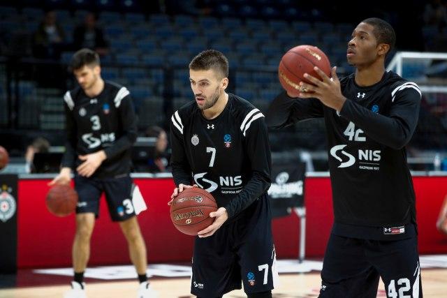 Partizan oscilirao, ali istrajao za 3/3 u Evrokupu!