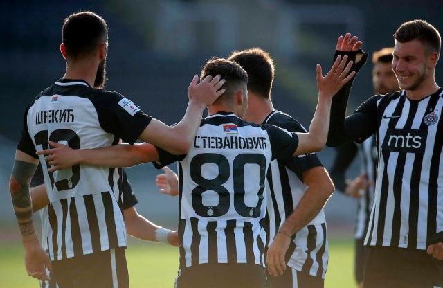 Prekid, poluvreme od 63 minuta i pobeda Partizana za polufinale Kupa