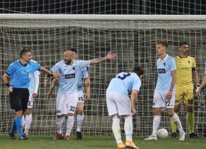 VALJDA NEĆE IGRATI KAO REAL: Fudbaler Rada na urnebesan način pecnuo rivale u borbi za opstanak!