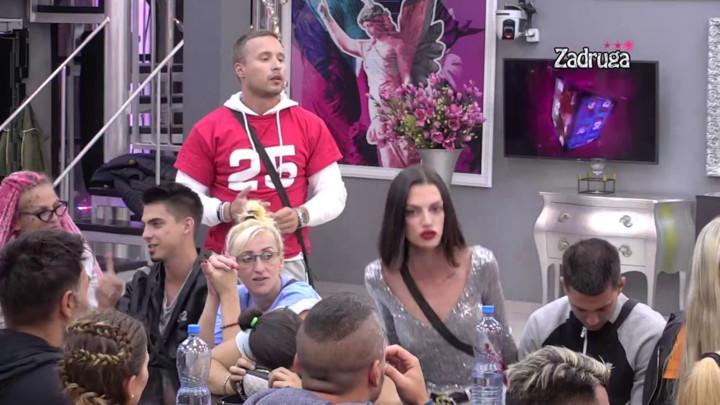 VARNICE ZA CRNIM STOLOM: Nina nazvala Taru vešticom, Simova joj OČITALA BUKVICU! (VIDEO)