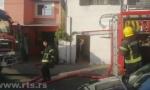 VATRA GUTA KUĆU NA ZVEZDARI: Vatrogasci se bore sa požarom, ne zna se broj povređenih