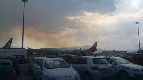 VATRA SE NE STIŠAVA Evakuacija zbog požara kod Tivta