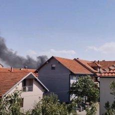 VATROGASCI SE ŽESTOKO BORE PROTIV VATRENIH STIHIJA: Bukte požari u Vranju na nekoliko lokacija (VIDEO)