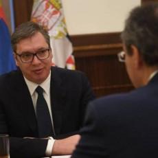 VAŽAN SUSRET NA ANDRIĆEVOM VENCU: Vučić razgovarao sa državnim sekretarom MSP Nemačke (FOTO)