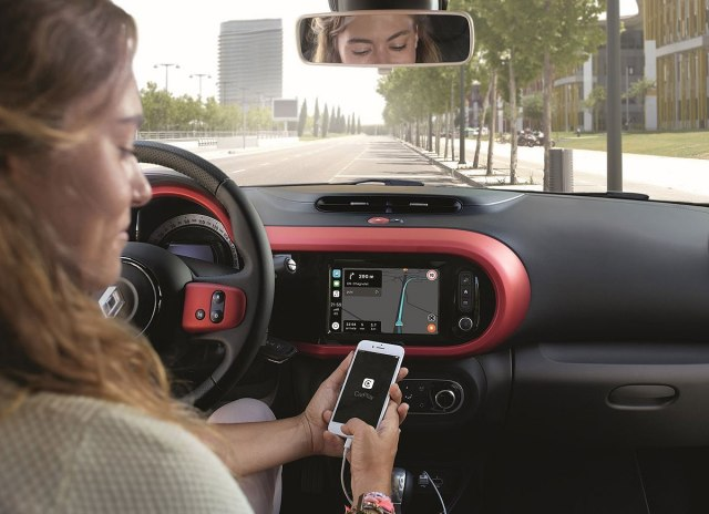 VB: Zabrana i za hends-fri telefoniranje u vožnji?