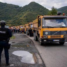 VEĆ 21 GODINU SMO OVDE I BORIMO SE ZA SLOBODU Na barikadama snimljen jedan zanimljiv detalj među okupljenim Srbima