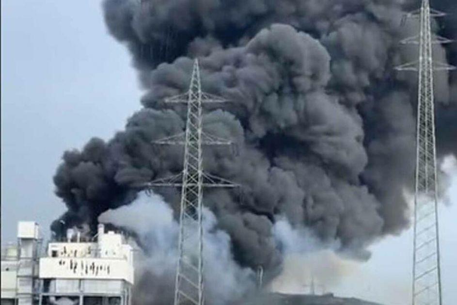 EKSPLOZIJA U NEMAČKOJ: Kulja crni dim, građani upozoreni da ne izlaze iz kuća! PET nestalo, dvoje TEŠKO POVREĐENO! VIDEO