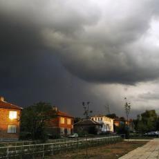 VELIKA OLUJA STIŽE KOD NAŠIH KOMŠIJA: Metereolozi upozoravaju na moguće obilne kiše i jak vetar