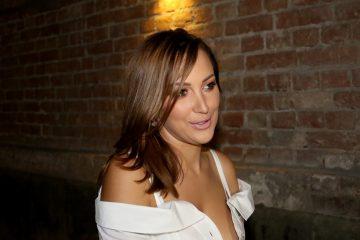 VELIKA PROSLAVA ROĐENDANA FILIPA ŽIVOJINOVIĆA: Aleksandra blista u beloj mini haljini, a ONA JE večeras SPECIJALAN GOST (foto)