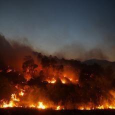 VATRENA STIHIJA BESNI U CRNOJ GORI: Požar aktivan u Podgorici i Tuzima, u Bratonožićima ugrožene kuće!