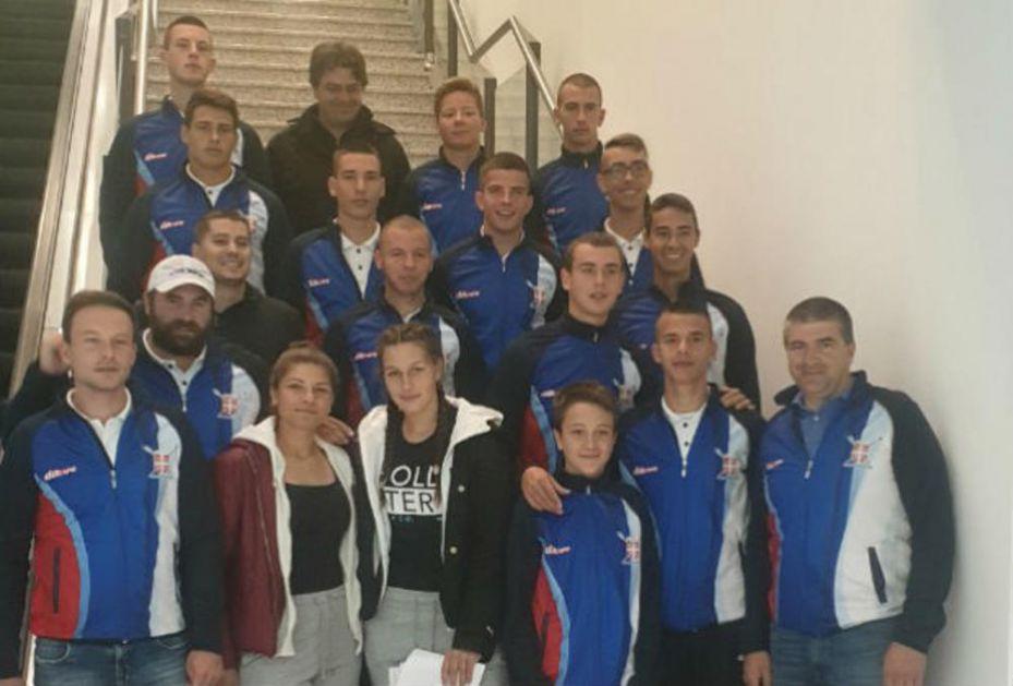 VESLANJE: Juniori s vedrinom otišli na Evropsko prvenstvo