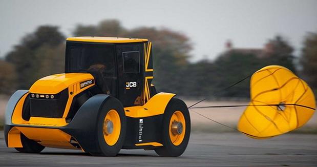 VIDEO: JCB Fastrac je najbrži traktor na svetu