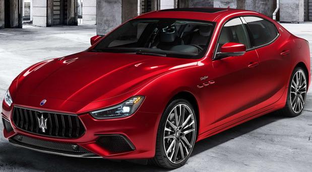 VIDEO: Maserati Ghibli Trofeo, Quattroporte Trofeo i Levante Trofeo
