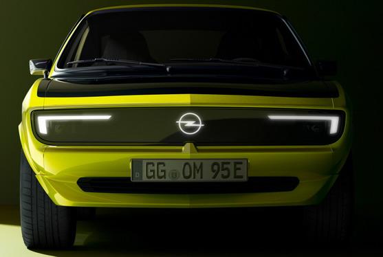 VIDEO: Opel Manta GSe ElektroMOD