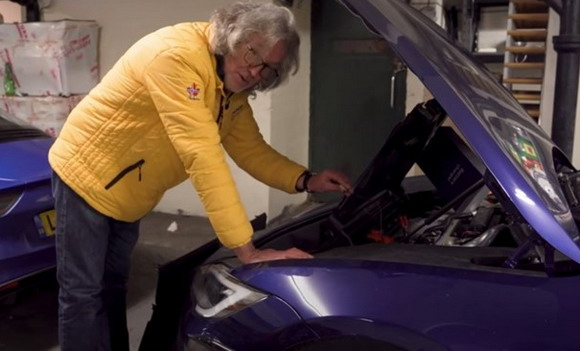 VIDEO: Popularnom voditelju Tesla ostao bez struje