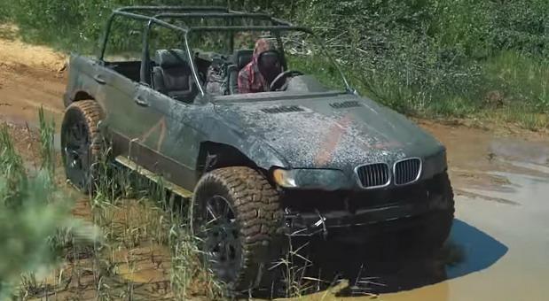VIDEO: Stari BMW X5 pretvoren u off-road vozilo