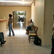 VIRUS GRIPA NEMILOSRDNO HARA: Nastradalo 15 ljudi!