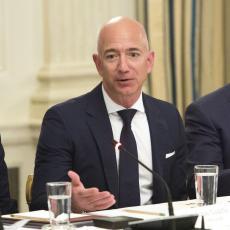 VIŠE NIJE NAJBOGATIJI NA SVETU: Džef Bezos izgubio 14 milijardi dolara u jednom danu