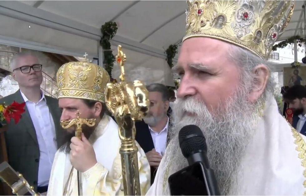 VLADIKA JOANIKIJE: Niko nije lud da zabrani vernicima da se poklone SVETOM VASILIJU OSTROŠKOM! VIDEO
