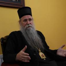 VLADIKA JOANIKIJE PORUČIO VERNICIMA: Nema straha, moramo se izboriti PROTIV NEPRAVDE kao istinski hrišćani!