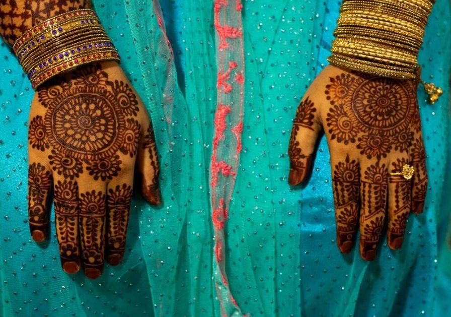 VOLELA JE DA SE OBLAČI MODERNO PA JE ZBOG TOGA UMRLA Devojčicu u Indiji članovi porodice TUKLI DO SMRTI jer je nosila farmerke