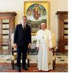 VOLEO BIH DA PAPA POSETI SRBIJU, ALI ZA TO SE PITA SPC: Vučić sa papom Franciskom: Vatikan će čuvati svoju poziciju po pitanju KiM