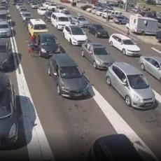 VOZILA NA IZLAZU ČEKAJU OKO DVA SATA! Zbog gužvi na Horgošu saobraćaj se preusmerava na Kelebiju