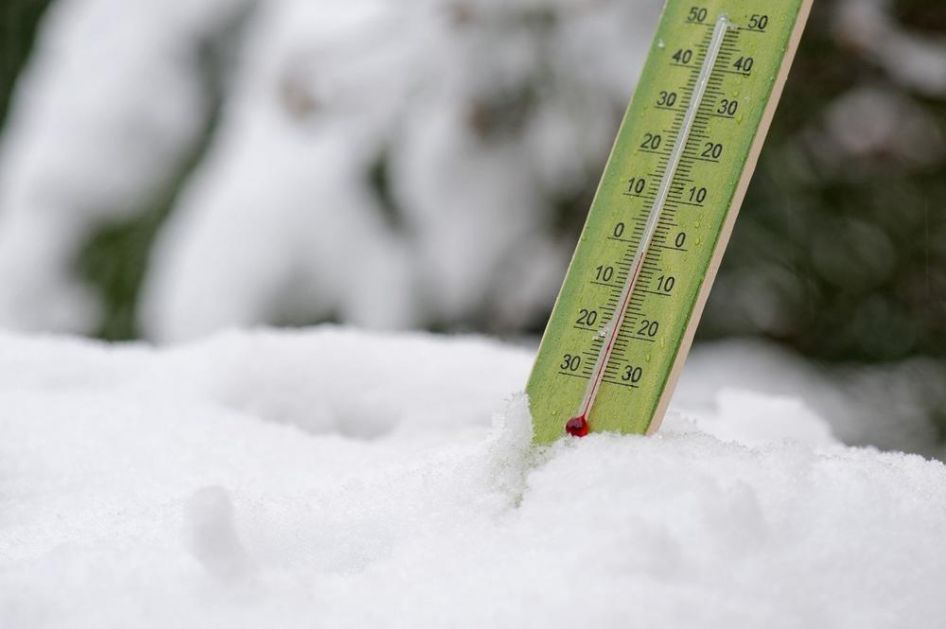 VREME U DALMACIJI TOTALNO POLUDELO: Prvo udarili vetrovi i poplave, a sad i sneg