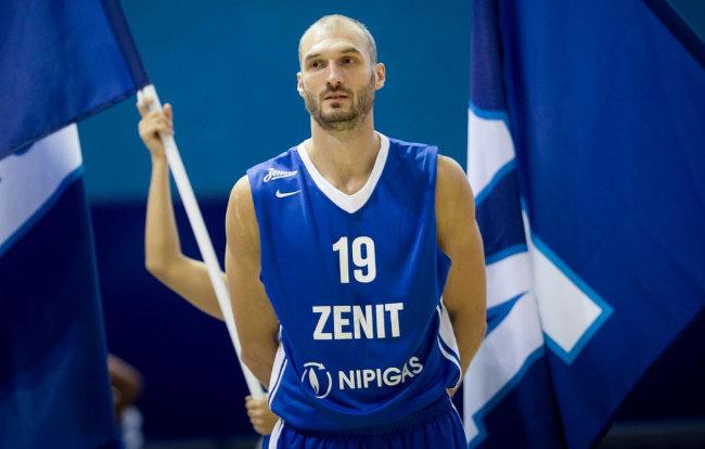 VTB - Pobeda Zenita, Simonović dvocifren
