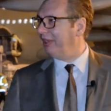 VUČIĆ DOČEKAO POLA MILIONA KINESKIH VAKCINA: Predsednik mimo protokola otišao na beogradski aerodrom (VIDEO)