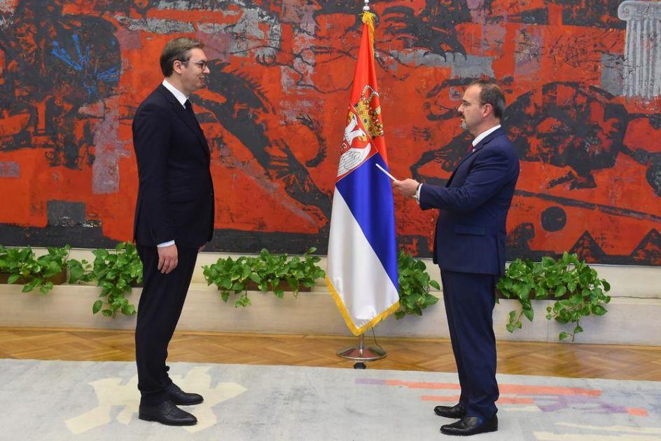 VUČIĆ NA CEREMONIJI: Novi američki ambasador Godfri predao akreditive, a onda NA SRPSKOM rekao ovo predsedniku Srbije!