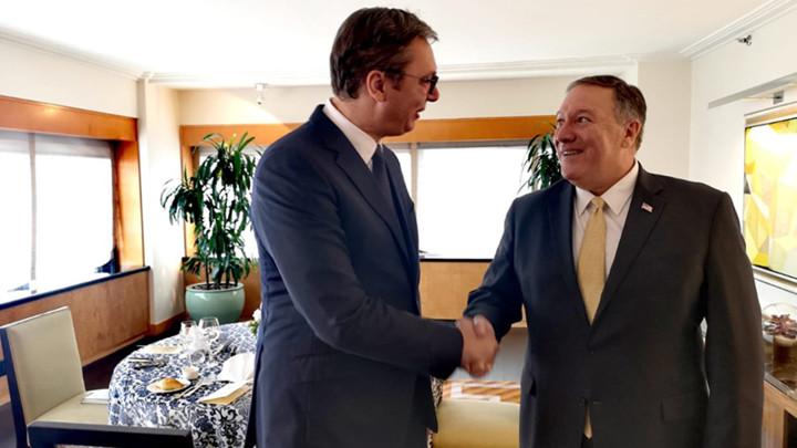 VUČIĆ NAKON SASTANKA SA POMPEOM: Srbija može da računa na podršku SAD povodom ukidanja taksi i nastavka dijaloga (FOTO)