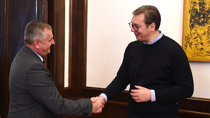 VUČIĆ RAZGOVARAO SA PREMIJEROM REPUBLIKE SRPSKE:Srbija će u ovoj godini izdvojiti 9,3 miliona evra za finansijsku pomoć opštinama u Republici Srpskoj (FOTO)