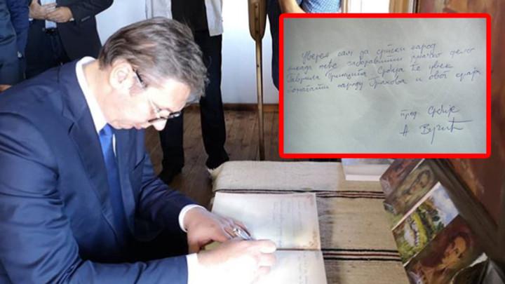 VUČIĆ U POSETI RODNOJ KUĆI GAVRILA PRINCIPA: Evo šta je predsednik Srbije napisao u knjizi utisaka (FOTO)