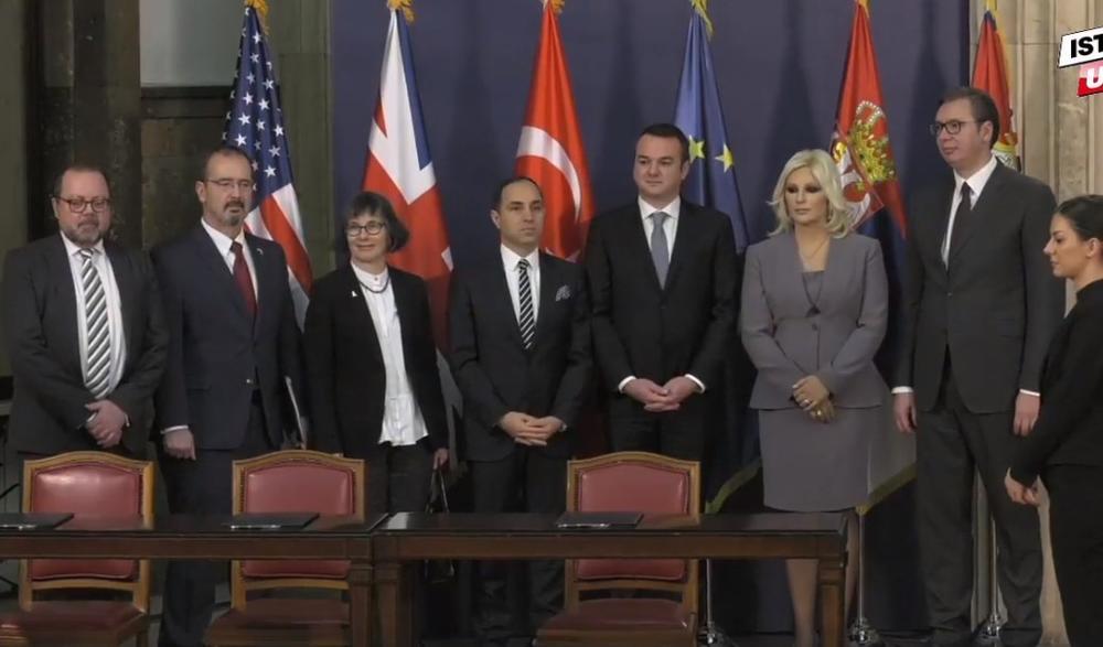 VUČIĆ UŽIVO: Do Vrnjačke Banje najviše sat i po lagane vožnje! Potpisan ugovor za izgradnju auto-puta Pojate-Preljina!