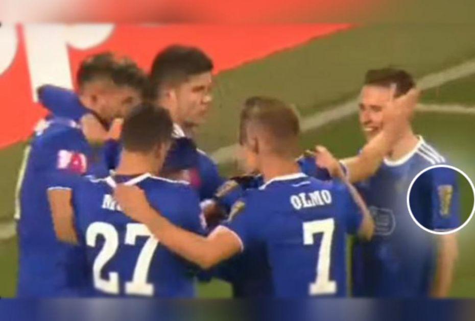 VUKOVAR OBELEŽIO NAJVEĆI HRVATSKI DERBI: Pogledajte kakve su dresove nosili fudbaleri Dinama na meču sa Hajdukom (VIDEO)