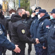 VULIN SA POLICAJCIMA DEMINERIMA: Spremni da u svakom trenutku zaštite živote i imovinu građana (FOTO/VIDEO)