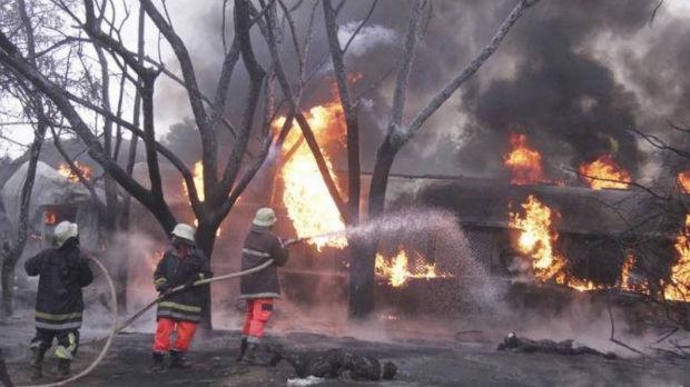 Vadili gorivo iz cisterne, izgorelo 75 osoba