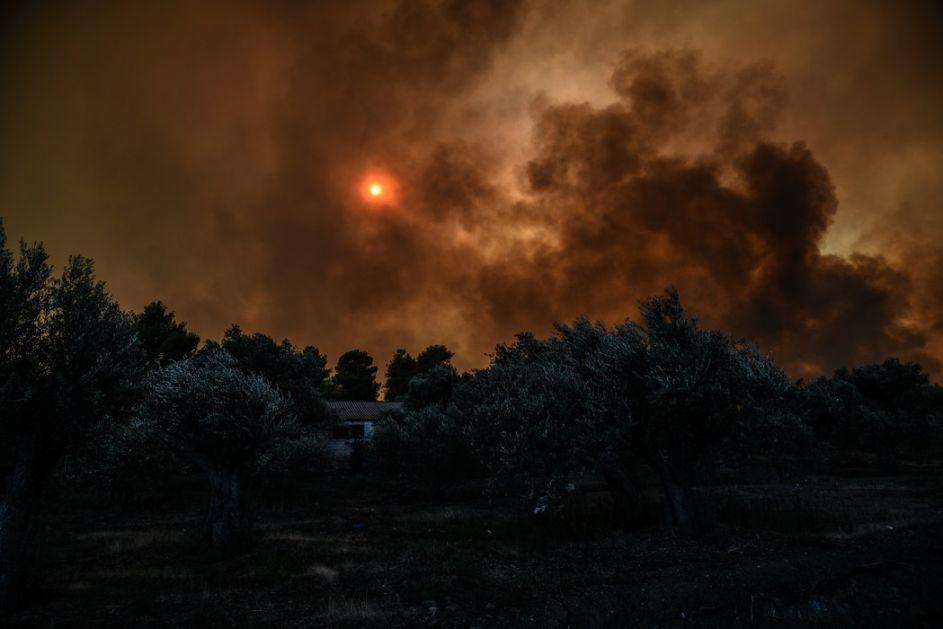 Vanredna situacija na Havajima zbog velikog požara