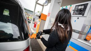 Vanredno stanje prepolovilo potrošnju goriva