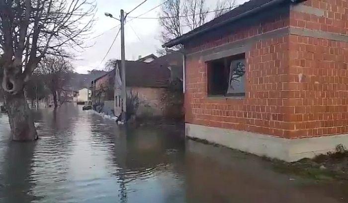 Vanredno u Hrvatskoj i BiH zbog izlivanja reka