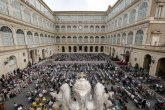 Vatikan upozoren: Ne meštajte se