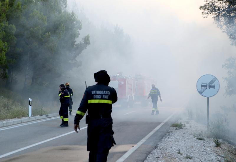 Vatra u Makarskoj pod kontrolom, iskrenje moguć uzrok