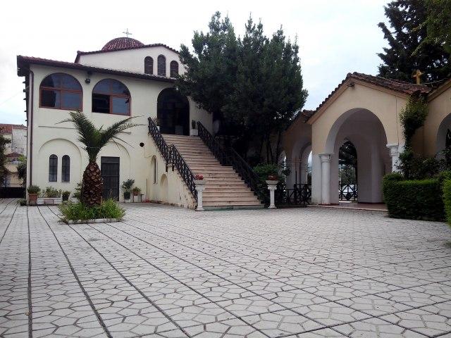 Vatra u pravoslavnoj crkvi u Albaniji - izgoreo zvonik VIDEO