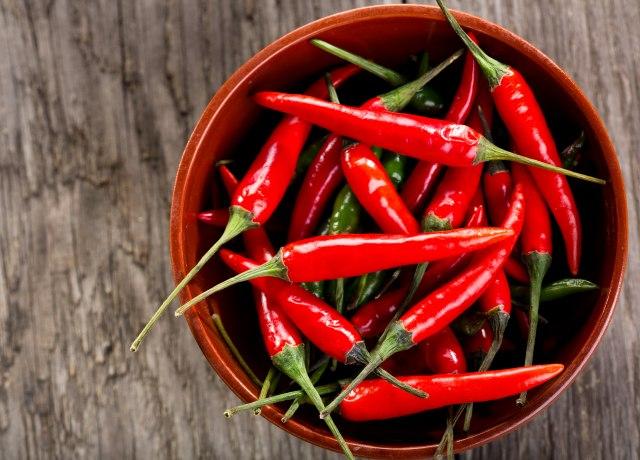 Vatreni zvezdaš iz Niške Banje proizvodi ekstremno ljute paprike