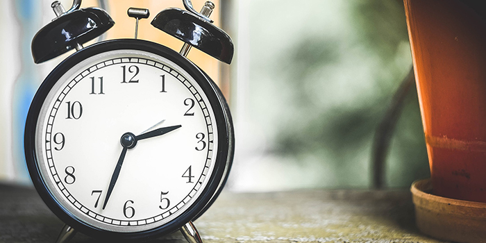 Večeras počinje letnje računanje vremena