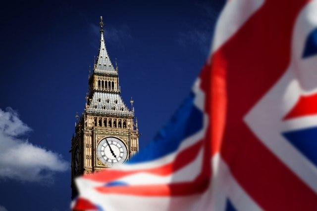 Velika Britanija staje na crtu SAD i Kini?
