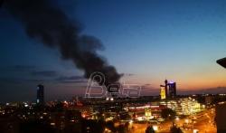 Veliki požar u Bloku 37 na Novom Beogradu; MUP: Nema povredjenih, požar lokalizovan (FOTO/VIDEO)